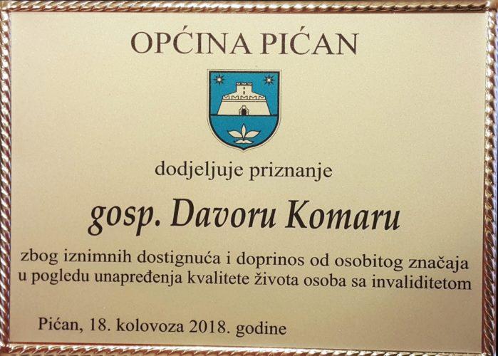 Plaketa Općine pićan Davoru Komaru